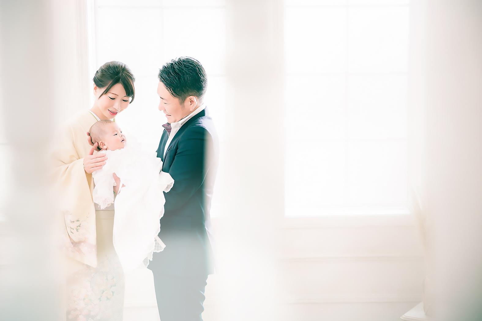 お宮参り,赤ちゃん,家族写真,ベビードレス赤ちゃん,家族写真