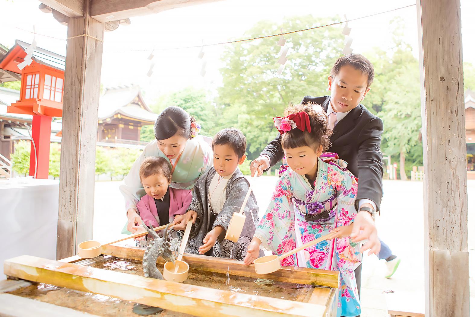 七五三,7歳5歳,着物,姉弟,神社,ロケ,外出,お参り,家族写真