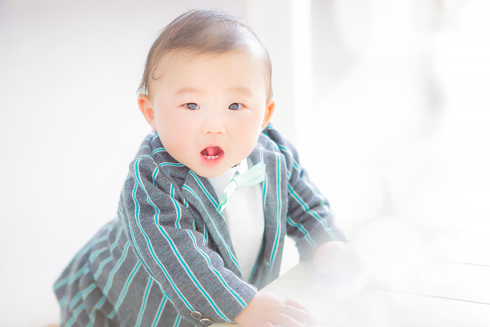 ハーフバースデー,記念写真,赤ちゃん